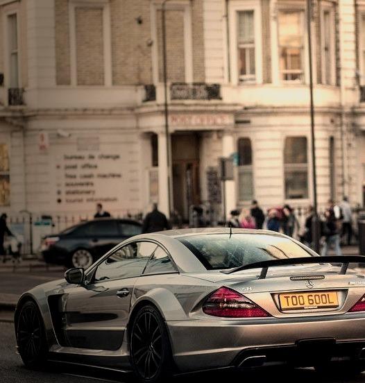 Mercedes-Benz SL 65 AMG (Instagram @alexpenfold)